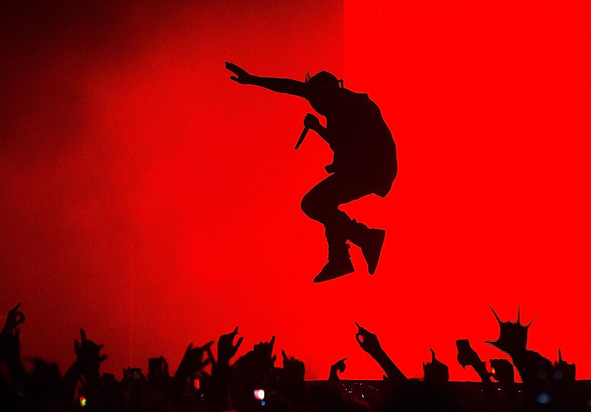 Kanye West, Mid-Show