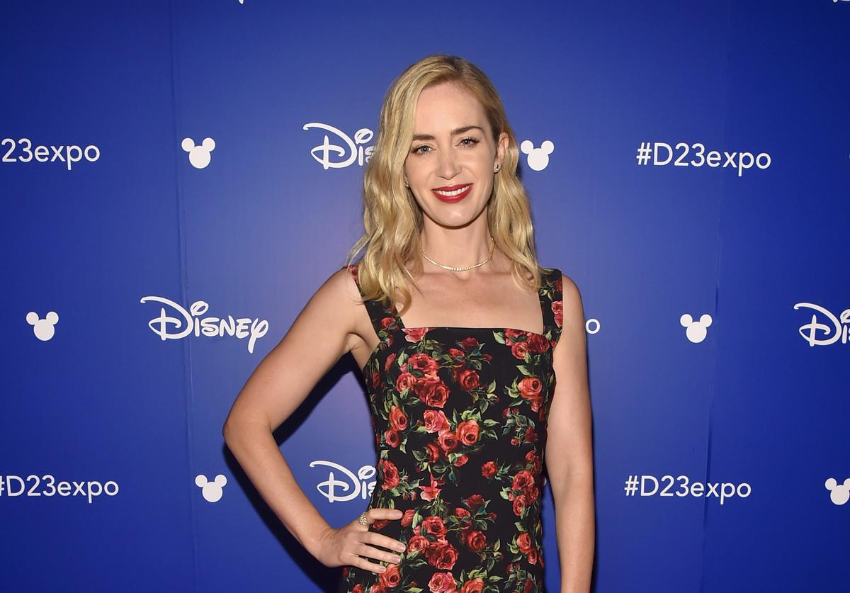 Emily Blunt plays Mary Poppins