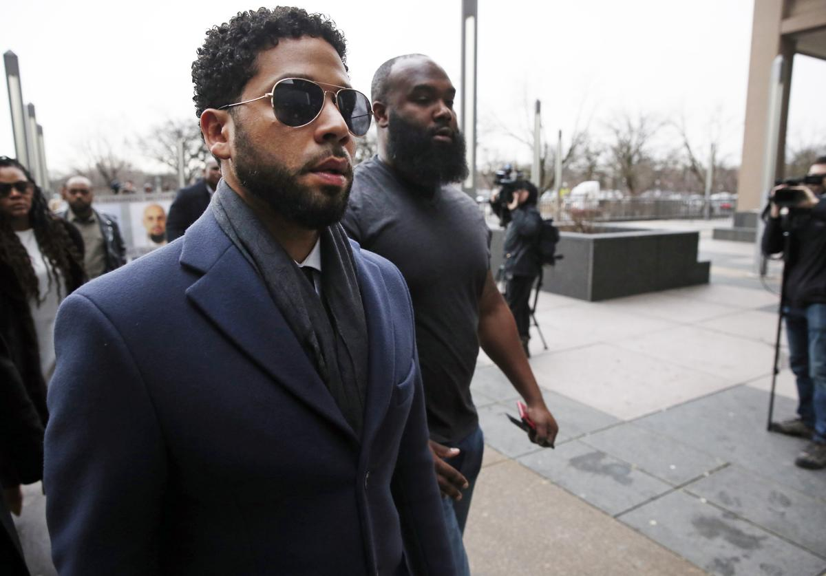 Actor Jussie Smollett arrives at Leighton Criminal Courthouse