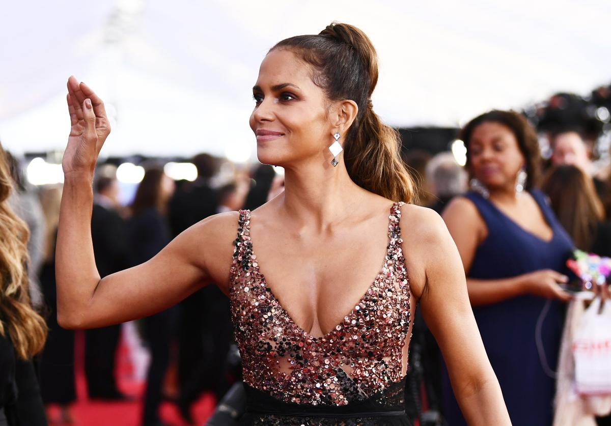 Actor Halle Berry attends the 24th Annual Screen Actors Guild Awards