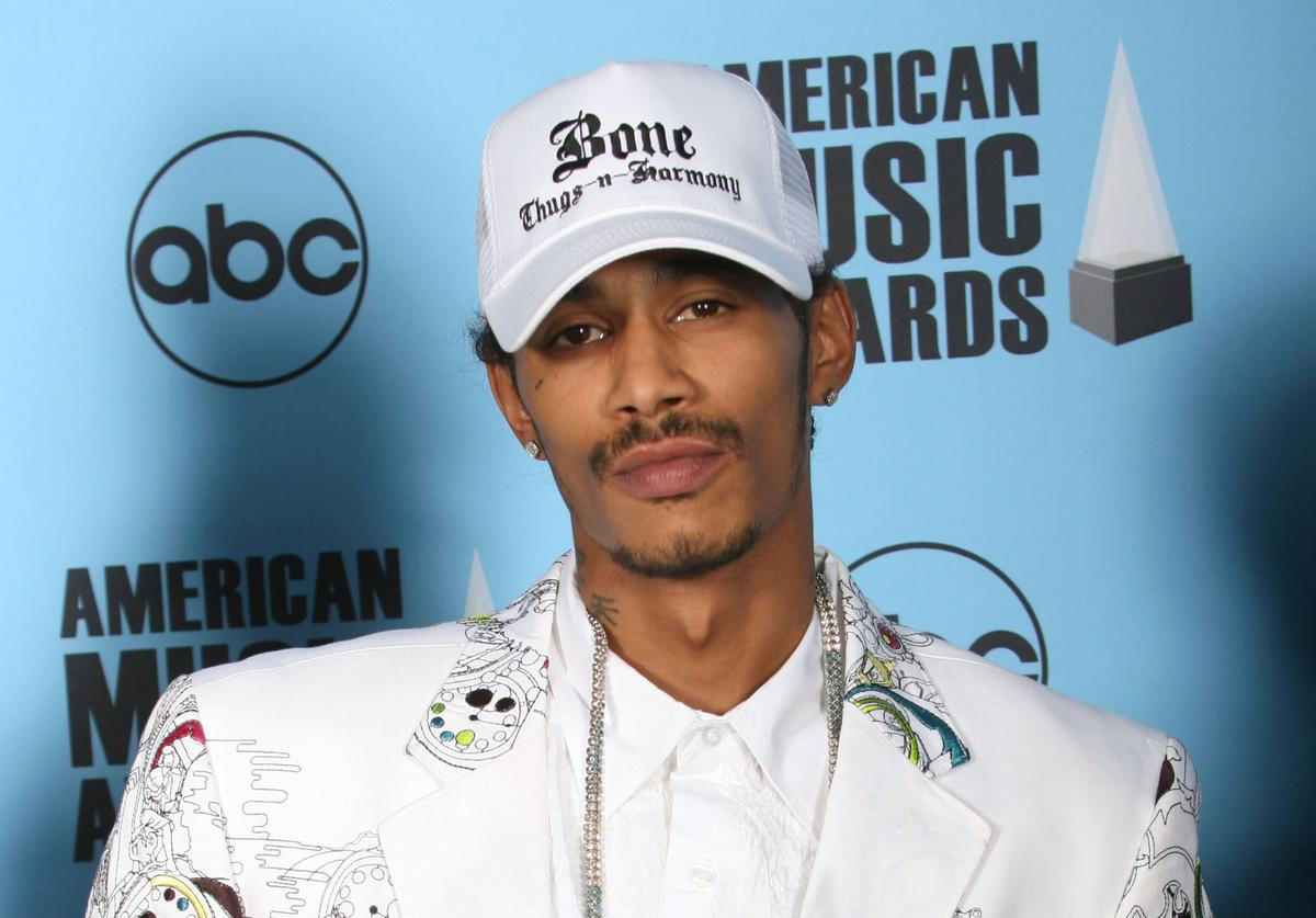 Rapper Layzie Bone of Bone Thugs-N-Harmony poses in the press room at the 2007 American Music Awards held at the Nokia Theatre L.A. LIVE on November 18, 2007 in Los Angeles, California.