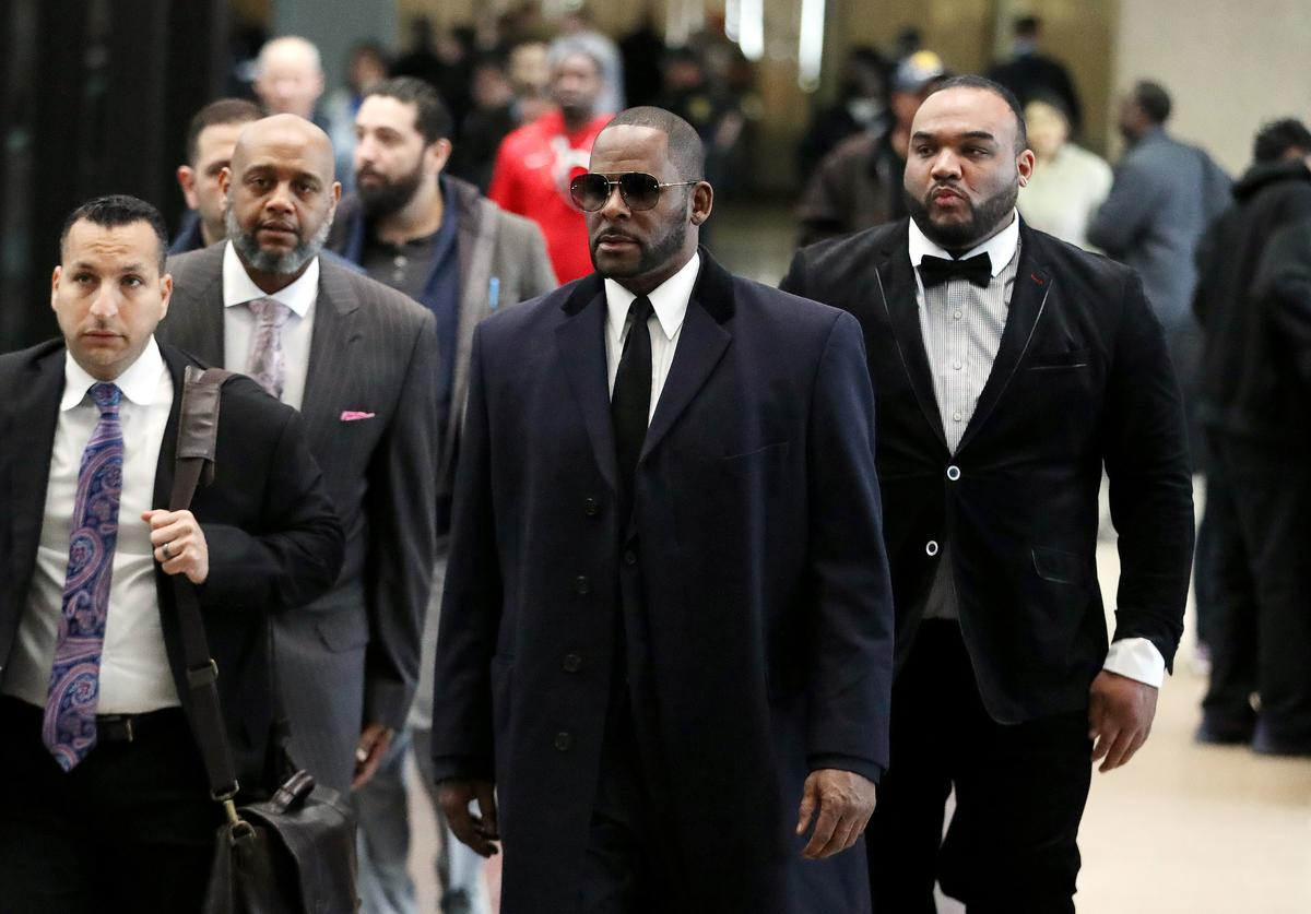 Singer R. Kelly arrives at the Leighton Courthouse for his status hearing in relation to the sex abuse allegations made against him on May 07, 2019 in Chicago, Illinois.