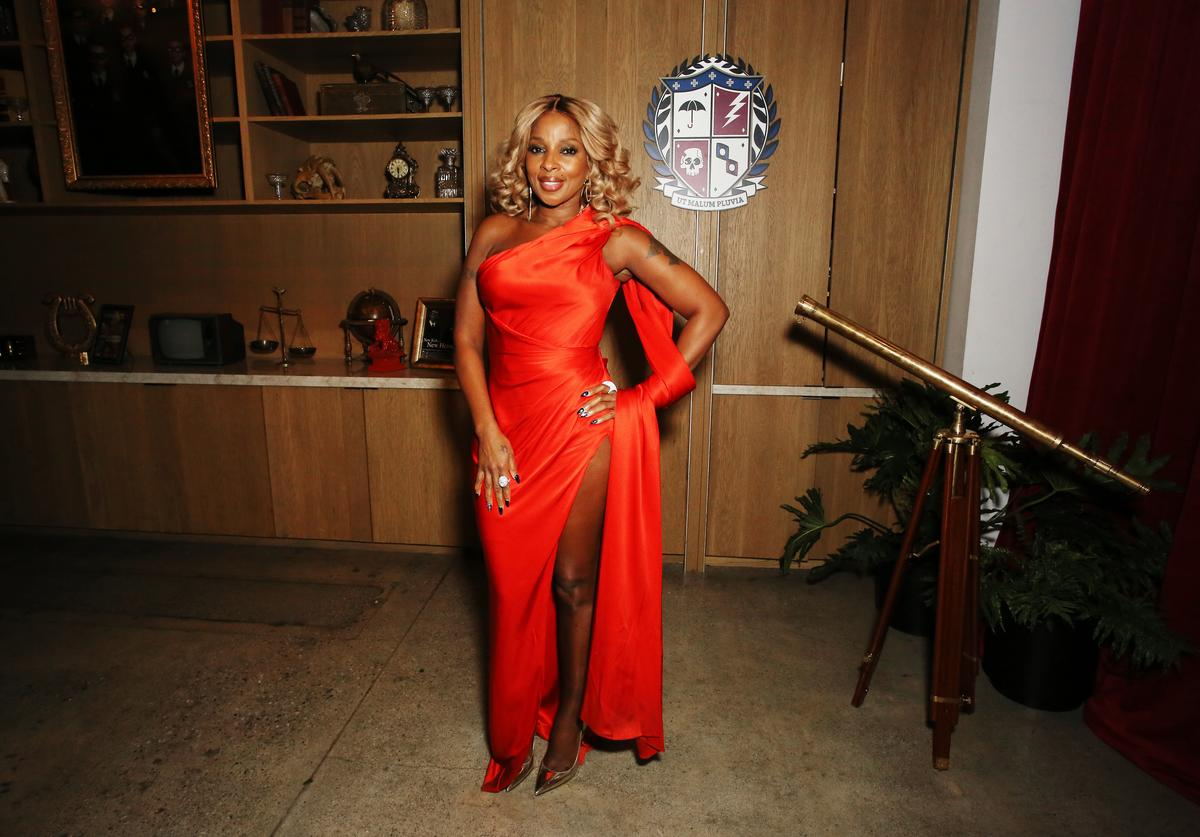 "Mary J. Blige attends ""The Umbrella Academy"" Premiere"