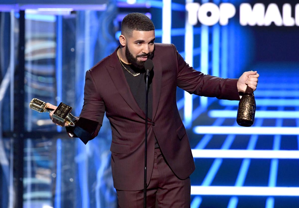 Drake accepts the Top Male Artist award onstage during the 2019 Billboard Music Awards
