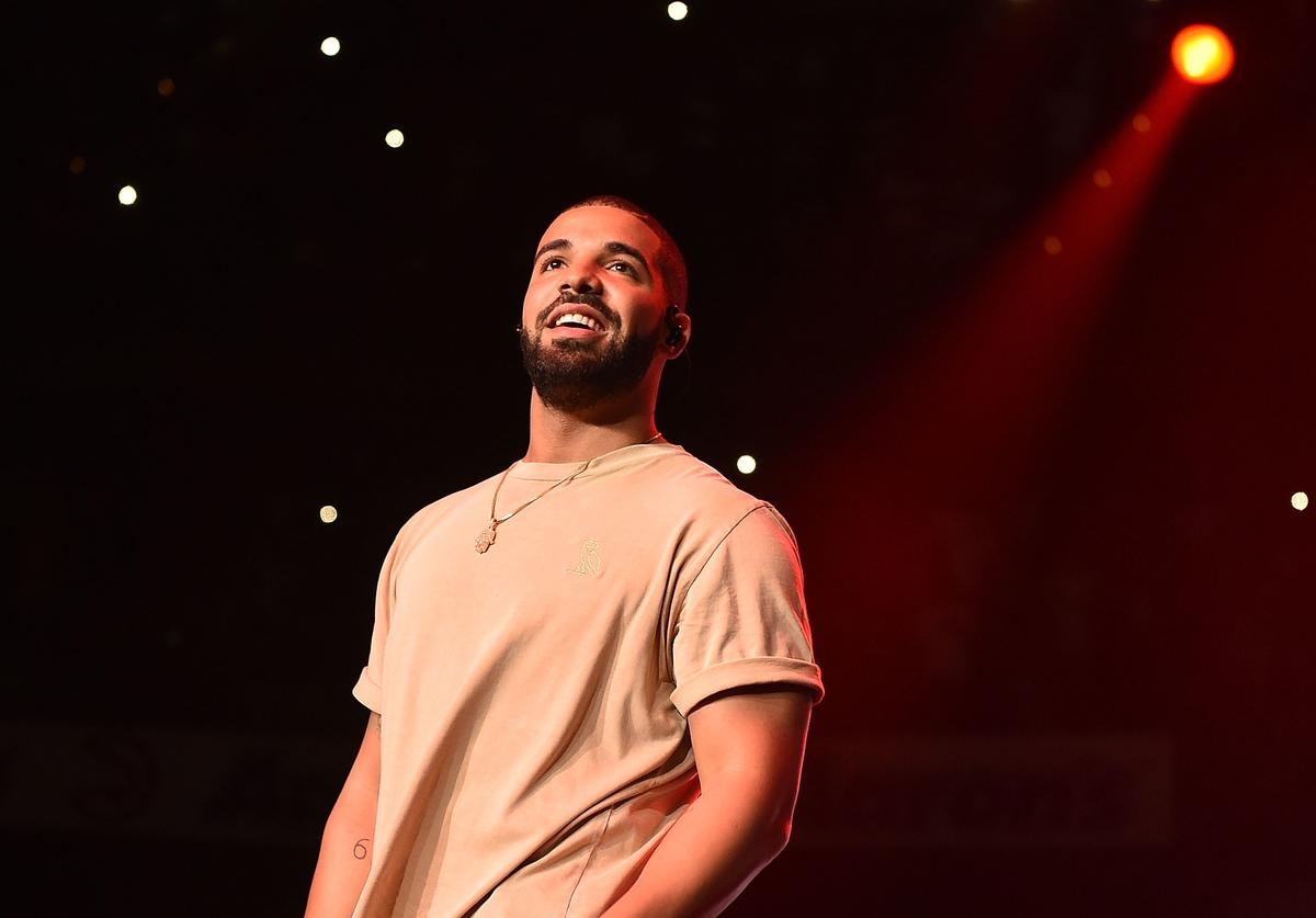 Drake performs onstage at Hot 107.9 Birthday Bash Block Show at Phillips Arena on June 20, 2015 in Atlanta, Georgia
