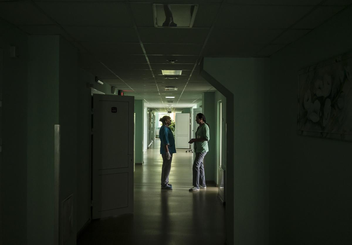 Doctors in the hallway of the measles ward at the Oleksandryvskyi Medical Clinic