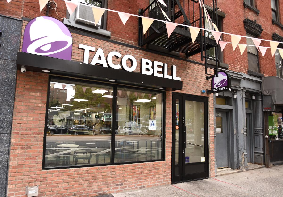 A view of Taco Bell located at 321 1st Ave. in Manhattan.