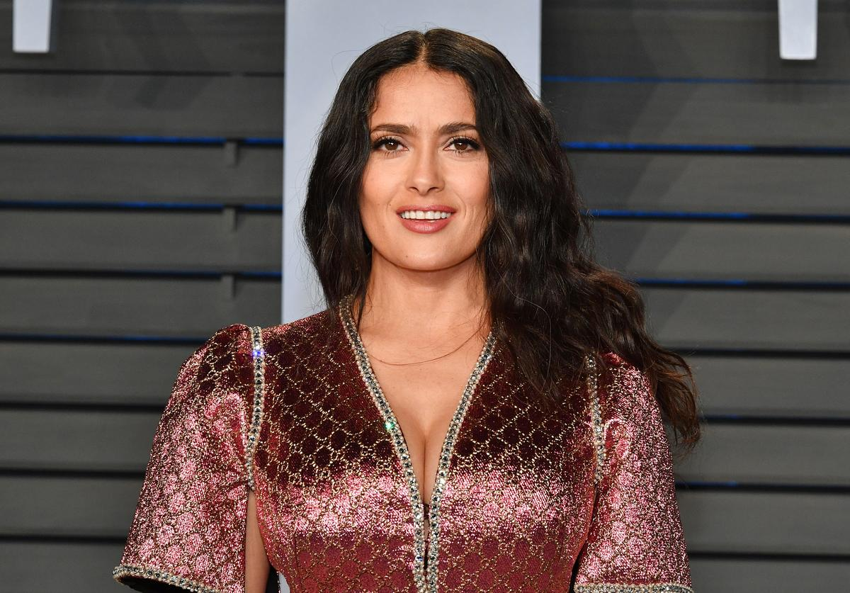 Salma Hayek attends the 2018 Vanity Fair Oscar Party hosted by Radhika Jones at Wallis Annenberg Center for the Performing Arts on March 4, 2018 in Beverly Hills, California.