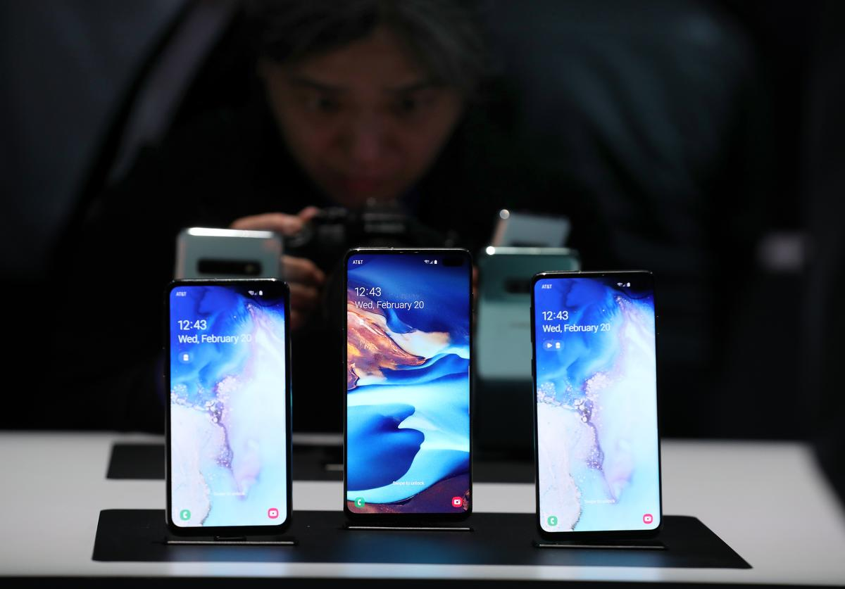 The new Samsung Galaxy S10e, Galaxy S10+ and the Galaxy S10 smartphones