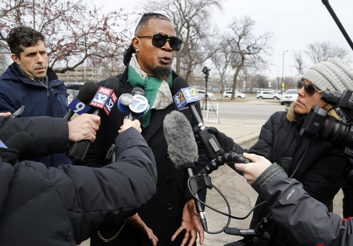 R. Kelly publicist Darryll Johnson speaks to members of the media outside Cook County Jail on March 8, 2019 in Chicago, Illinois