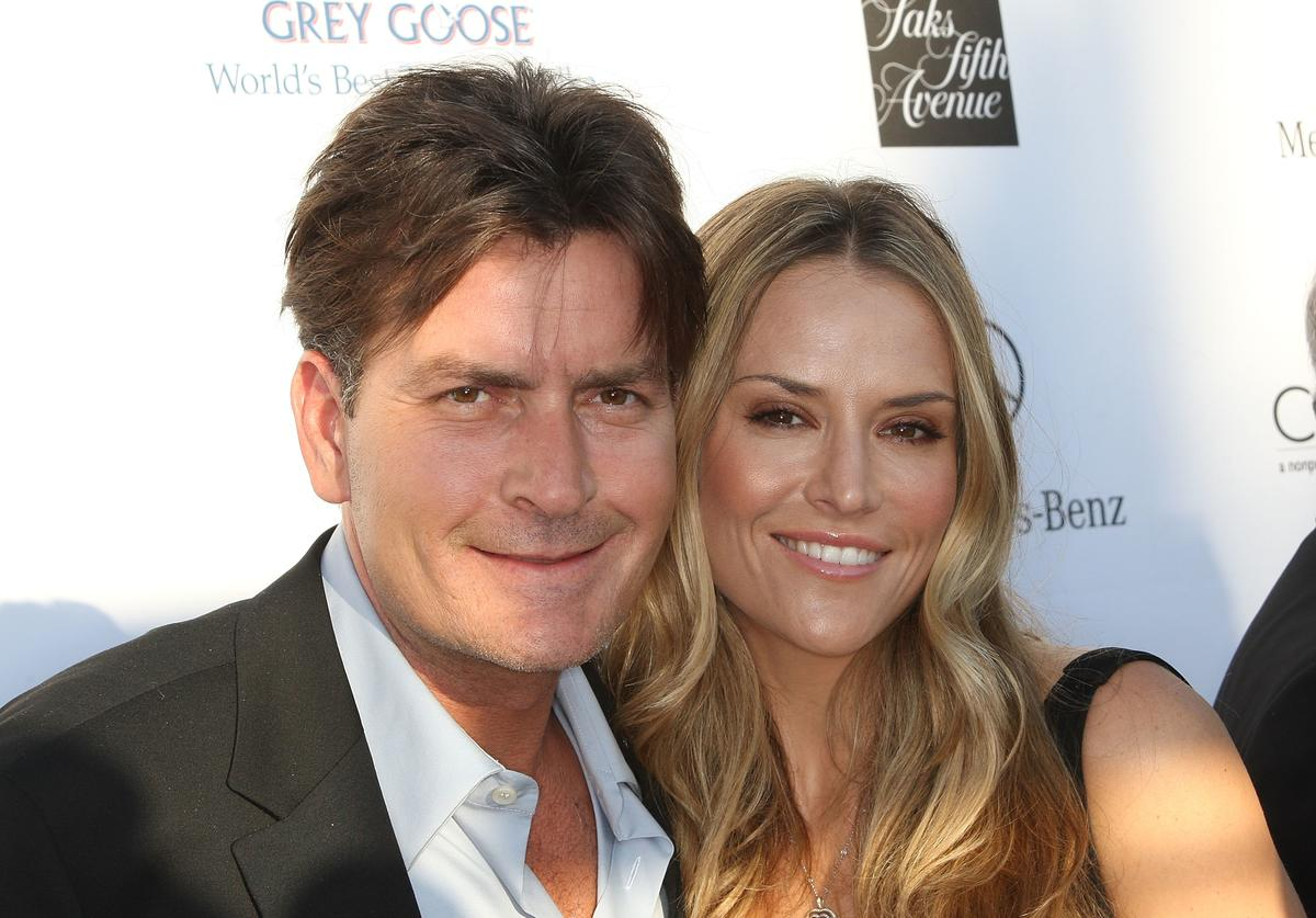 Actor Charlie Sheen (L) and actress Brooke Mueller attend the Seventh Annual Crysalis Butterfly Ball on May 31, 2008 in Brentwood, California.