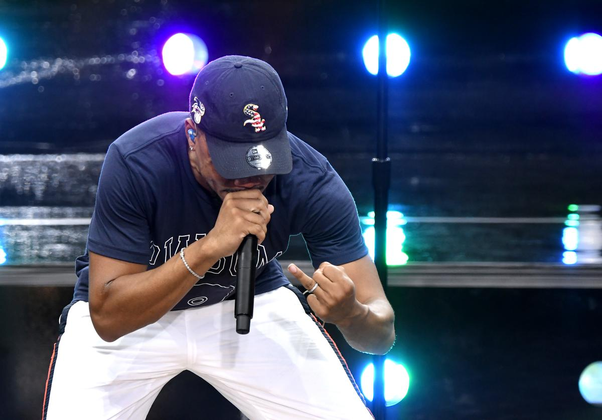 Chance the Rapper performs on Good Morning America.