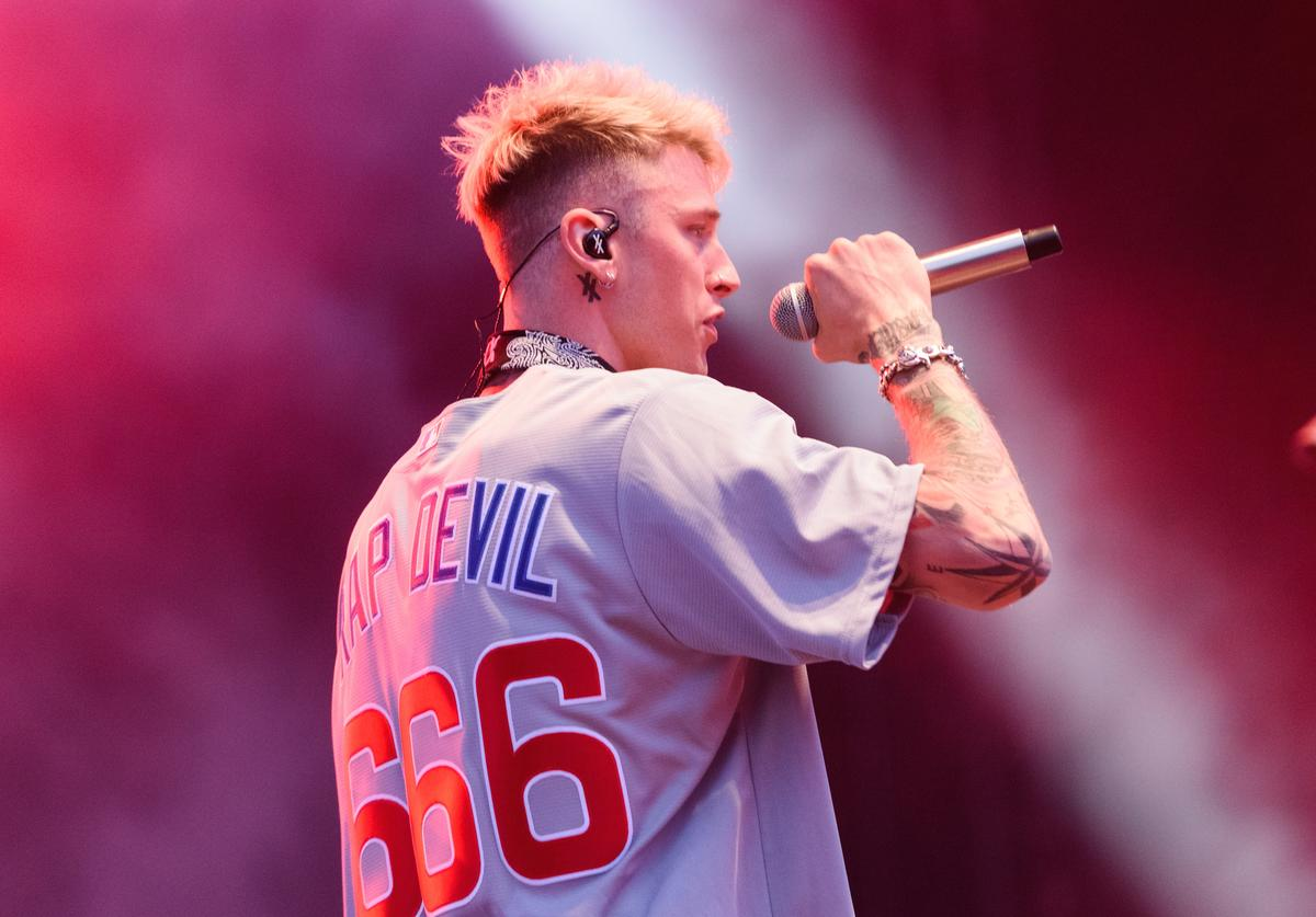 Machine Gun Kelly performs on stage at Wrigley Field on September 8, 2018 in Chicago, Illinois