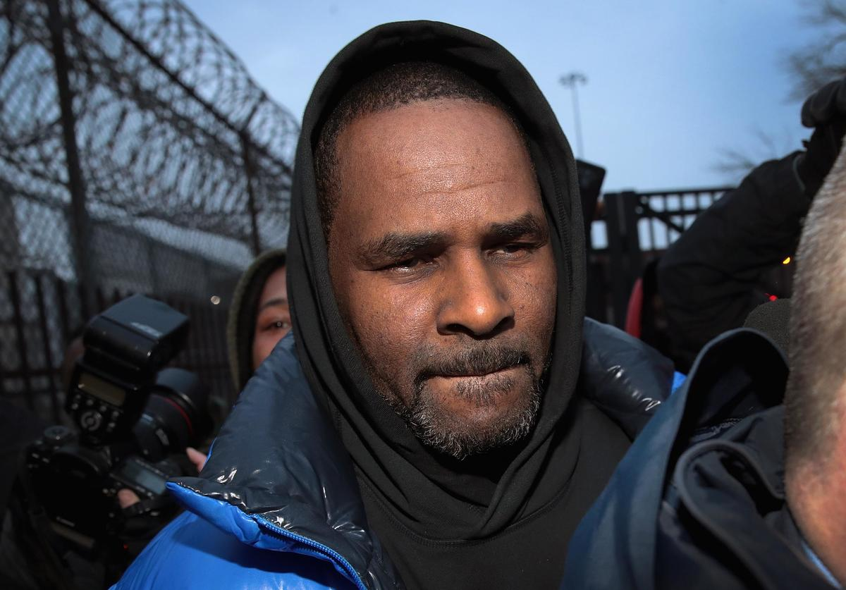 R. Kelly leaves the Cook County jail after posting $100 thousand bond on February 25, 2019 in Chicago, Illinois. Kelly was being held after turning himself in to face ten counts of aggravated sexual abuse