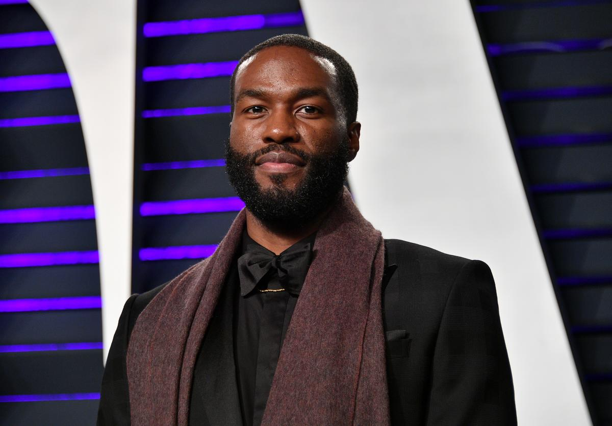 Yahya Abdul-Mateen II attends the 2019 Vanity Fair Oscar Party hosted by Radhika Jones at Wallis Annenberg Center for the Performing Arts