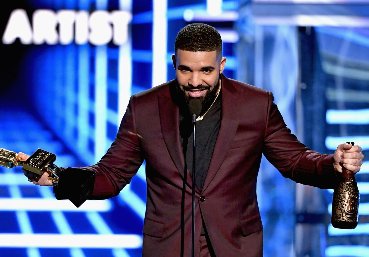 Drake accepts Top Male Artist onstage during the 2019 Billboard Music Awards at MGM Grand Garden Arena on May 1, 2019 in Las Vegas, Nevada
