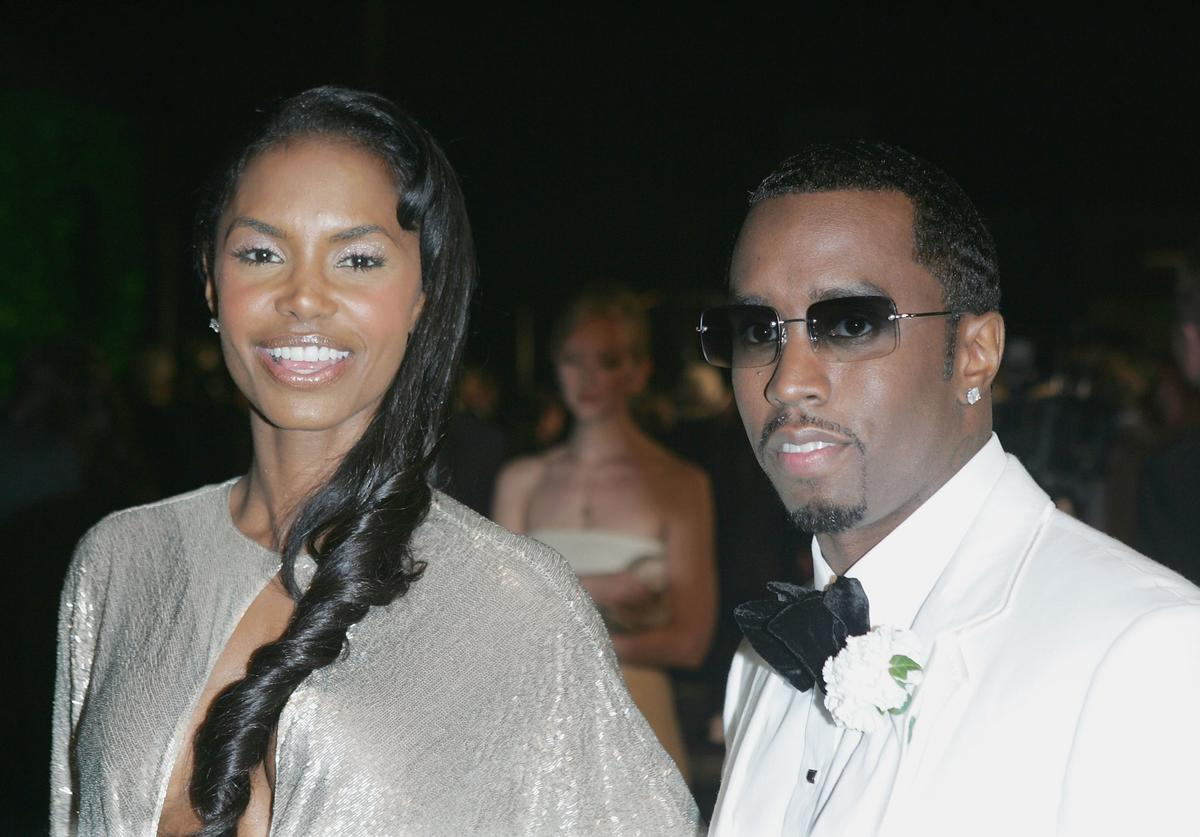 "Kim Porter and Sean ""Puffy"" Combs arrive at the Vanity Fair Oscar Party at Mortons on February 27, 2005 in West Hollywood, California"