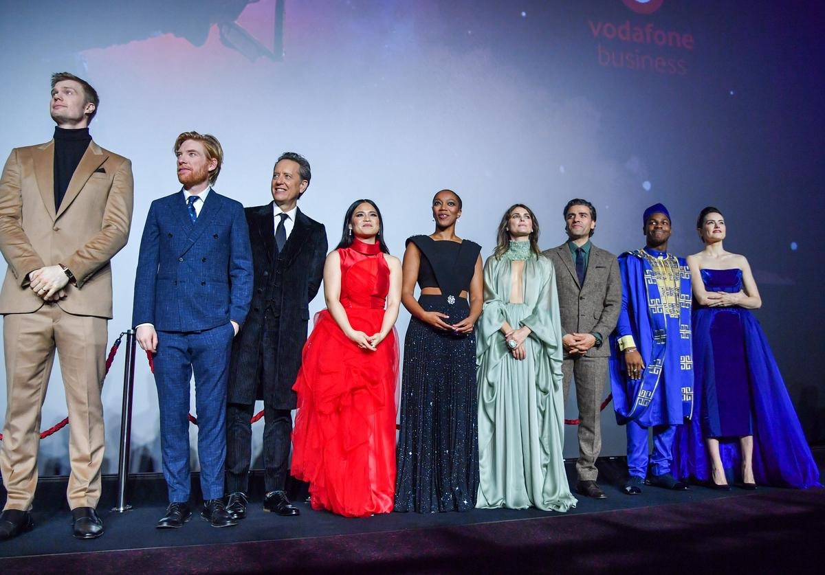 """The cast of """"Star Wars: The Rise of Skywalker"""" at the European premiere"""