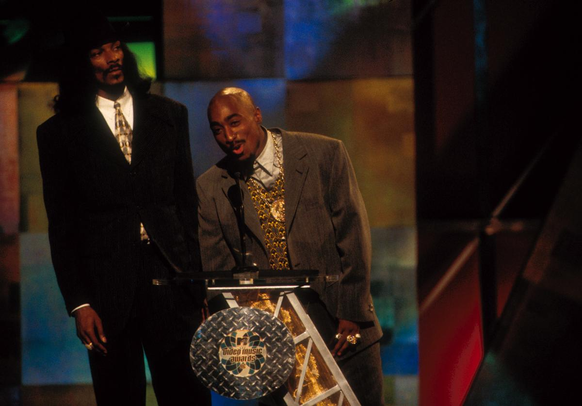 Tupac Shakur (R) and Snoop Dog at the 1996 MTV Video Music Awards at Radio City Music Hall in New York City