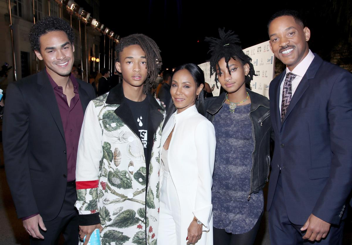 Actors Trey Smith and Jaden Smith and Jada Pinkett Smith, singer Willow Smith and actor Will Smith attend the Environmental Media Association 26th Annual EMA Awards Presented By Toyota, Lexus And Calvert at Warner Bros. Studios on October 22, 2016 in Burbank, California.