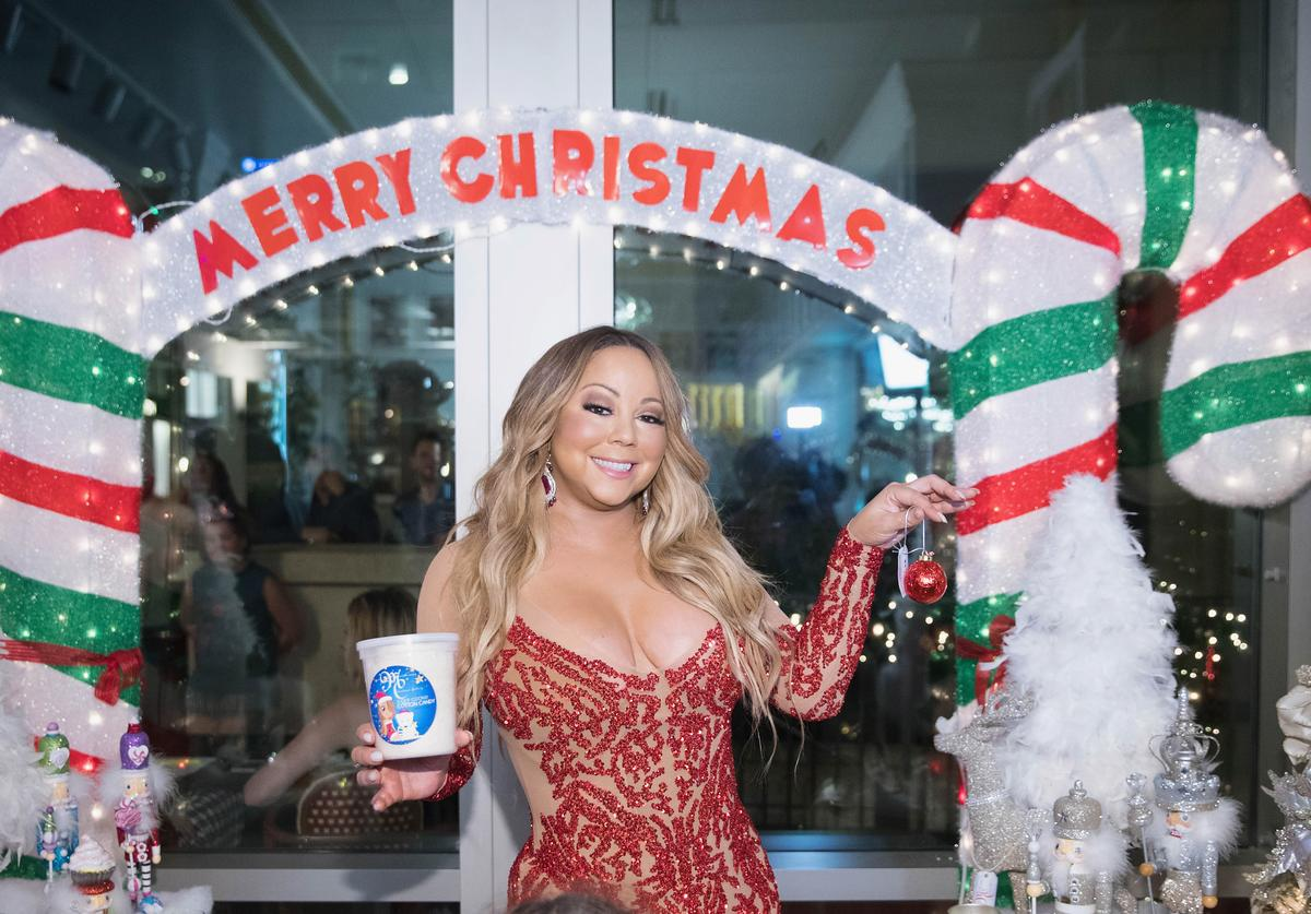 Mariah Carey Christmas Factory for the grand opening of Sugar Factory American Brasserie