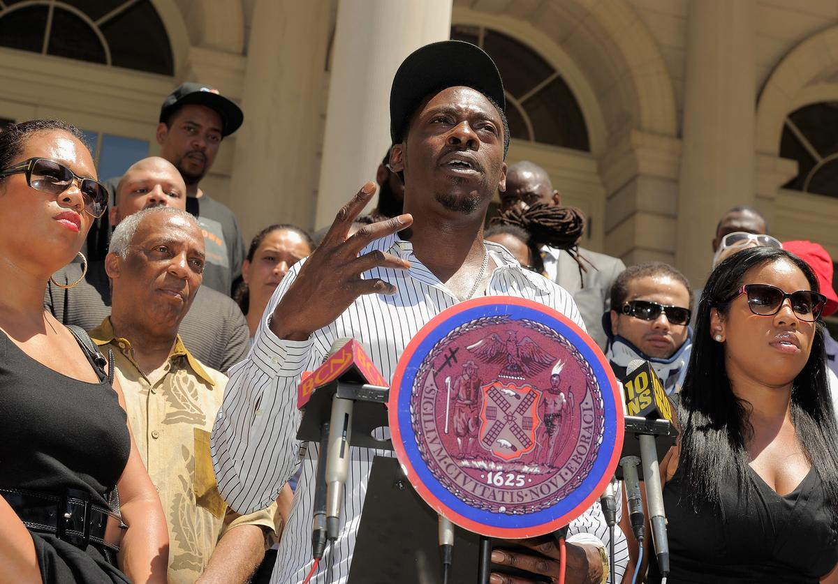 Pete Rock (C) at The Monumental 5 Press Conference in 2011