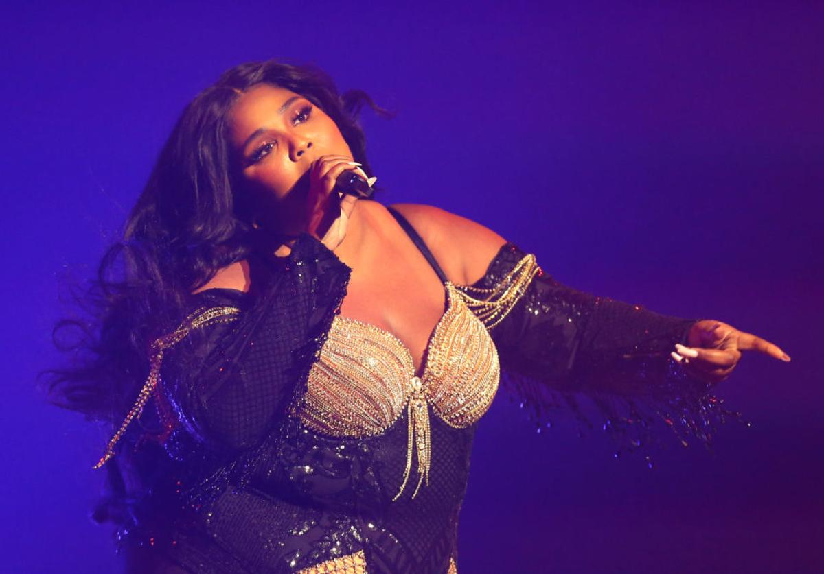 Lizzo performing at Sydney Opera House (Jan. 2020)