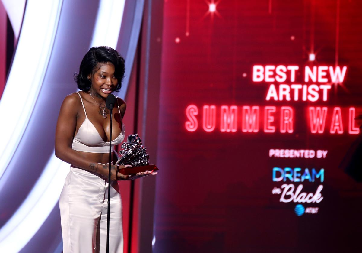 """Summer Walker accepts the """"Best New Artist"""" award during the 2019 Soul Train Awards at the Orleans Arena on November 17, 2019 in Las Vegas, Nevada"""