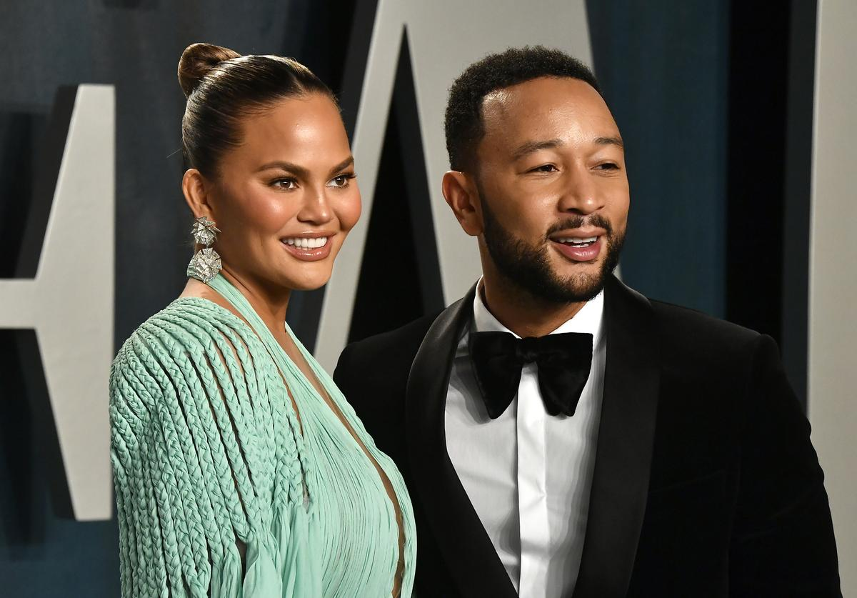 Chrissy Teigen and John Legend attend the 2020 Vanity Fair Oscar Party (Feb. 2020)