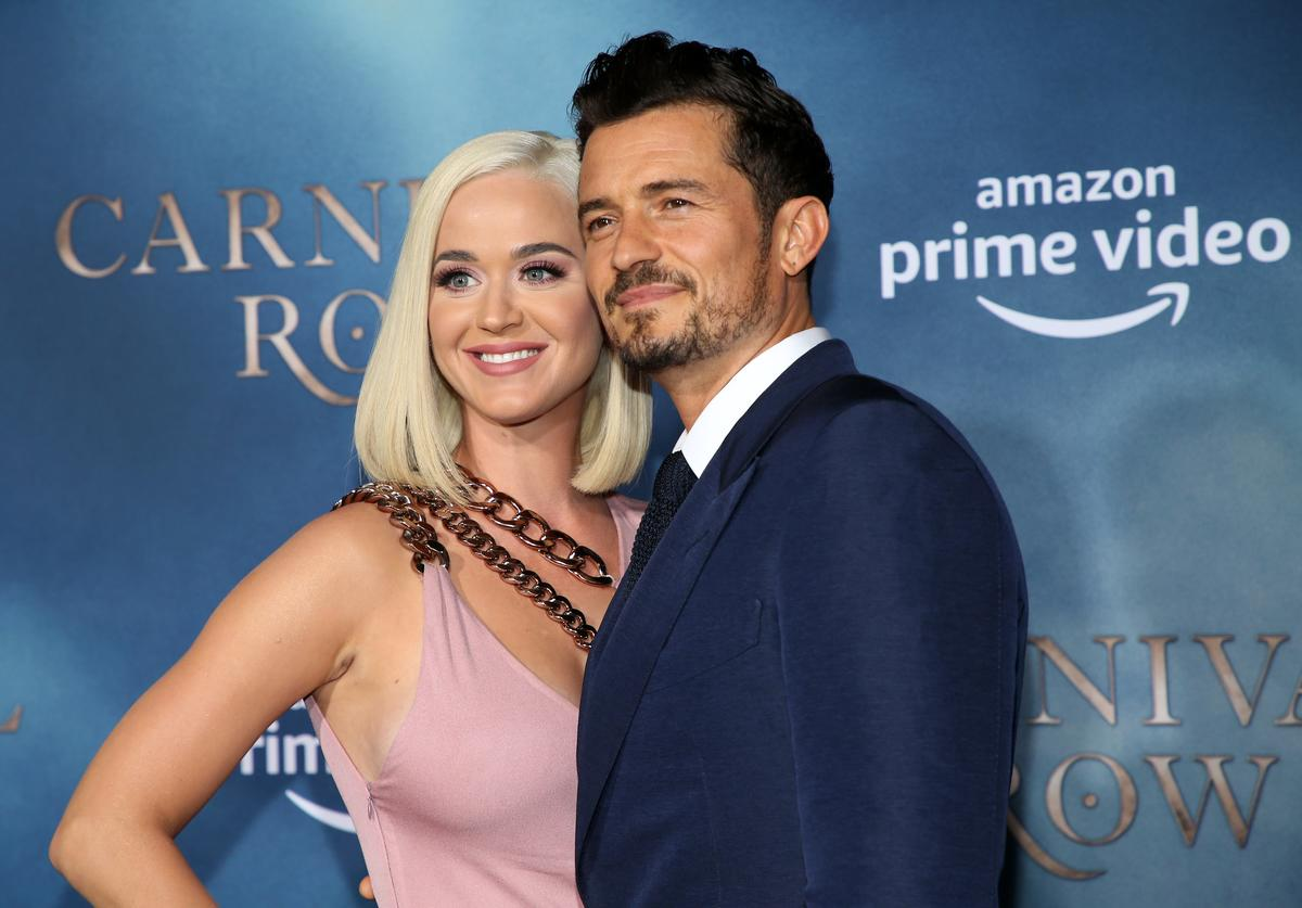 Orlando Bloom Katy Perry baby gender sex reveal announce girl pregnant expecting