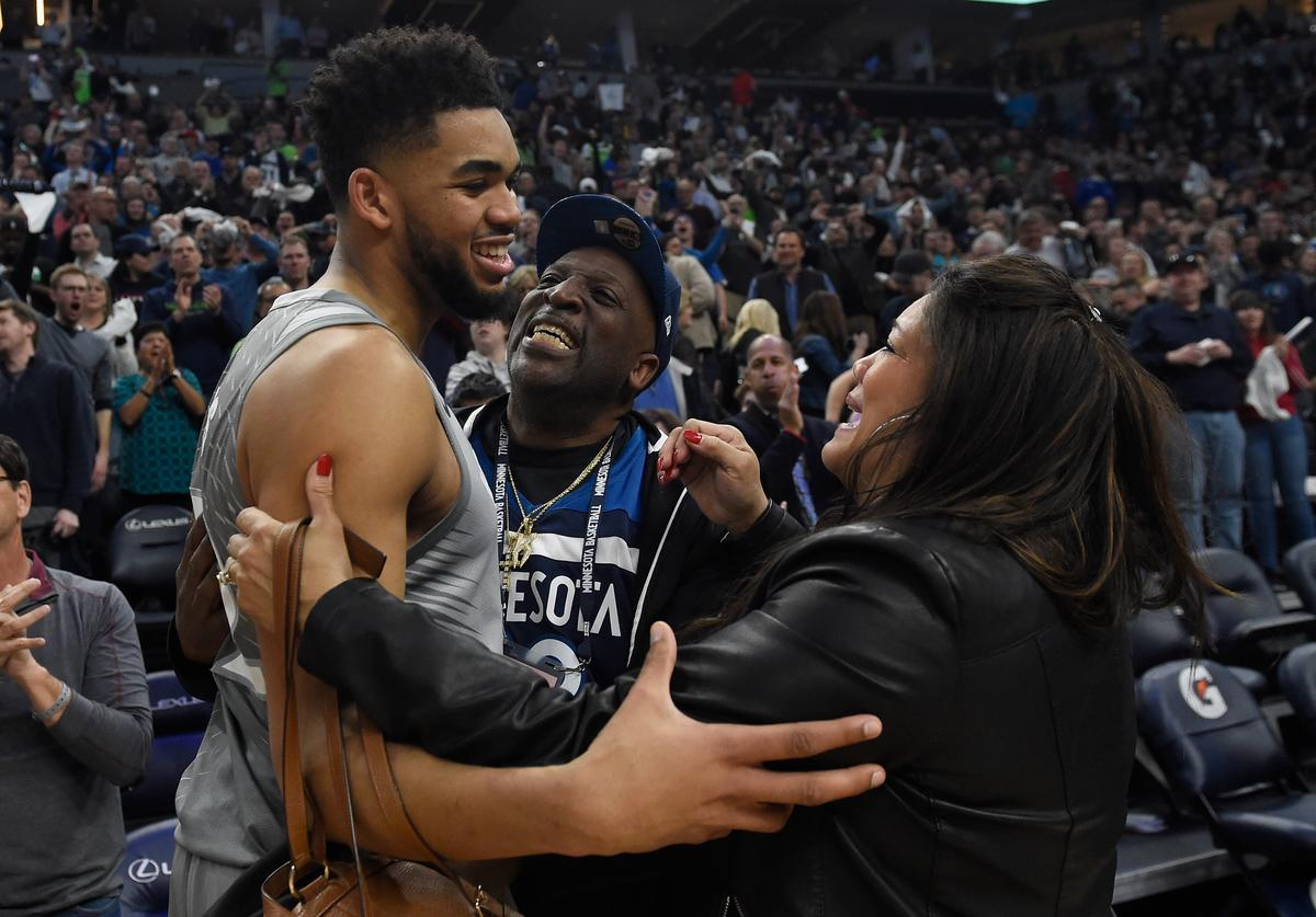 Karl-Anthony Towns, Coronavirus, Mother's Day