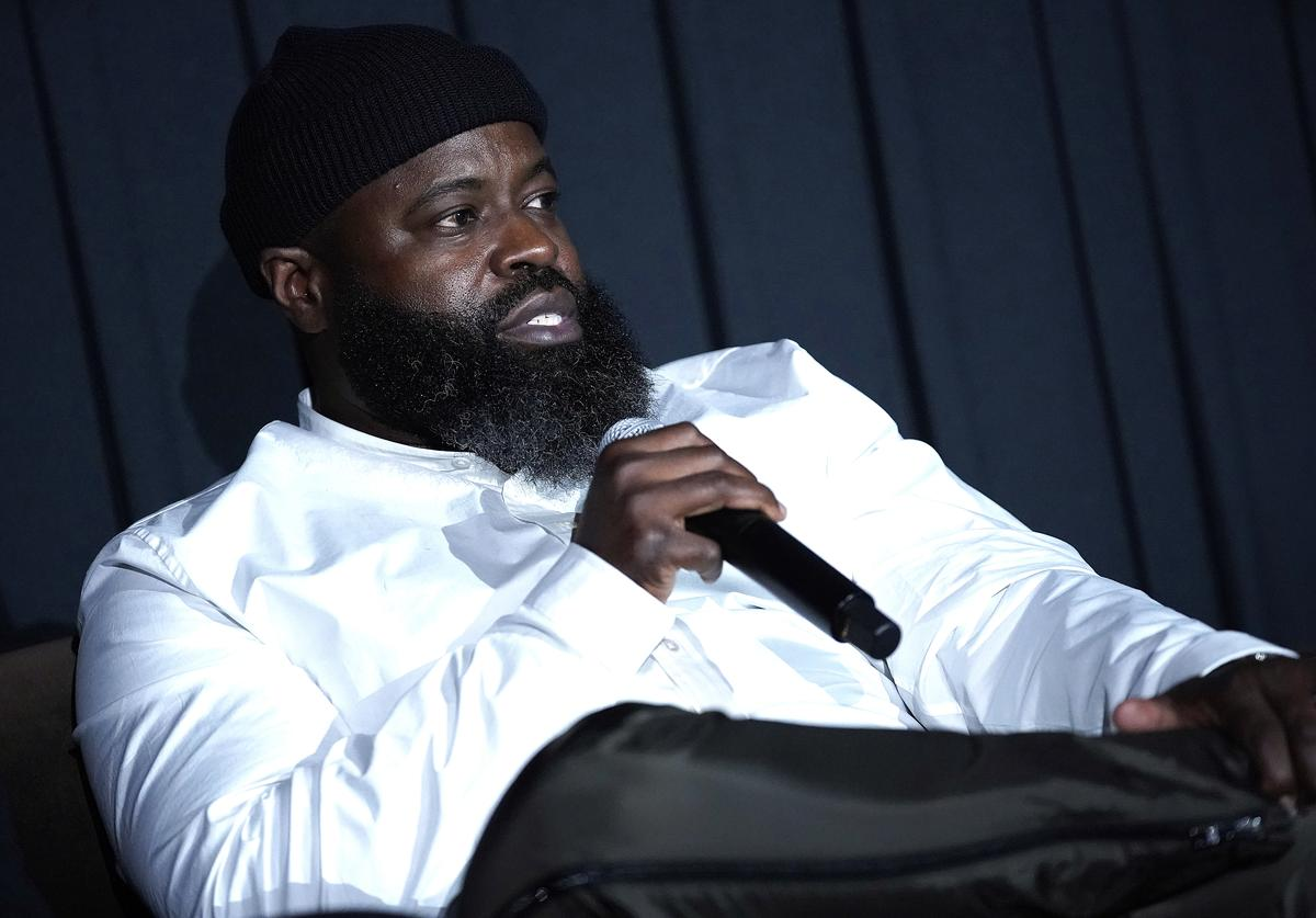 black thought top ten rappers of all time list Rakim, Public Enemy's Chuck D, Kool G Rap, KRS-One, Big Daddy Kane, The D.O.C., Run-DMC's Rev Run, Schoolly D, Three Time Dope's EST and LL Cool J. the roots