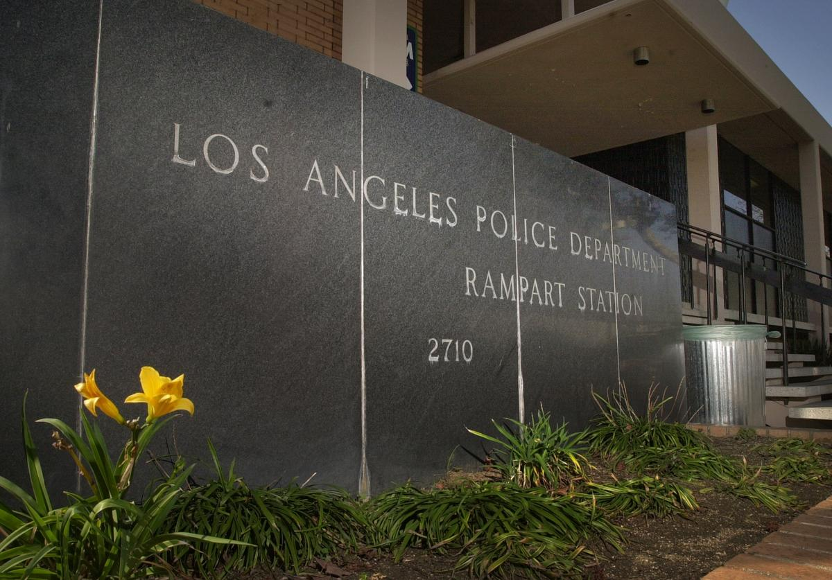 LAPD pig head rampart station