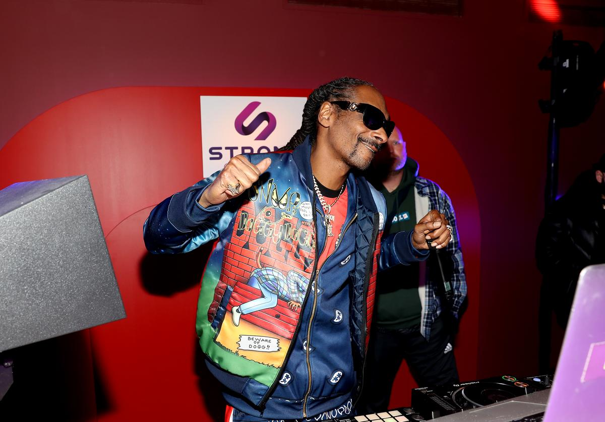 Snoop Dogg performs during the Strong Outdoor launch party on January 22, 2020 in New York City.