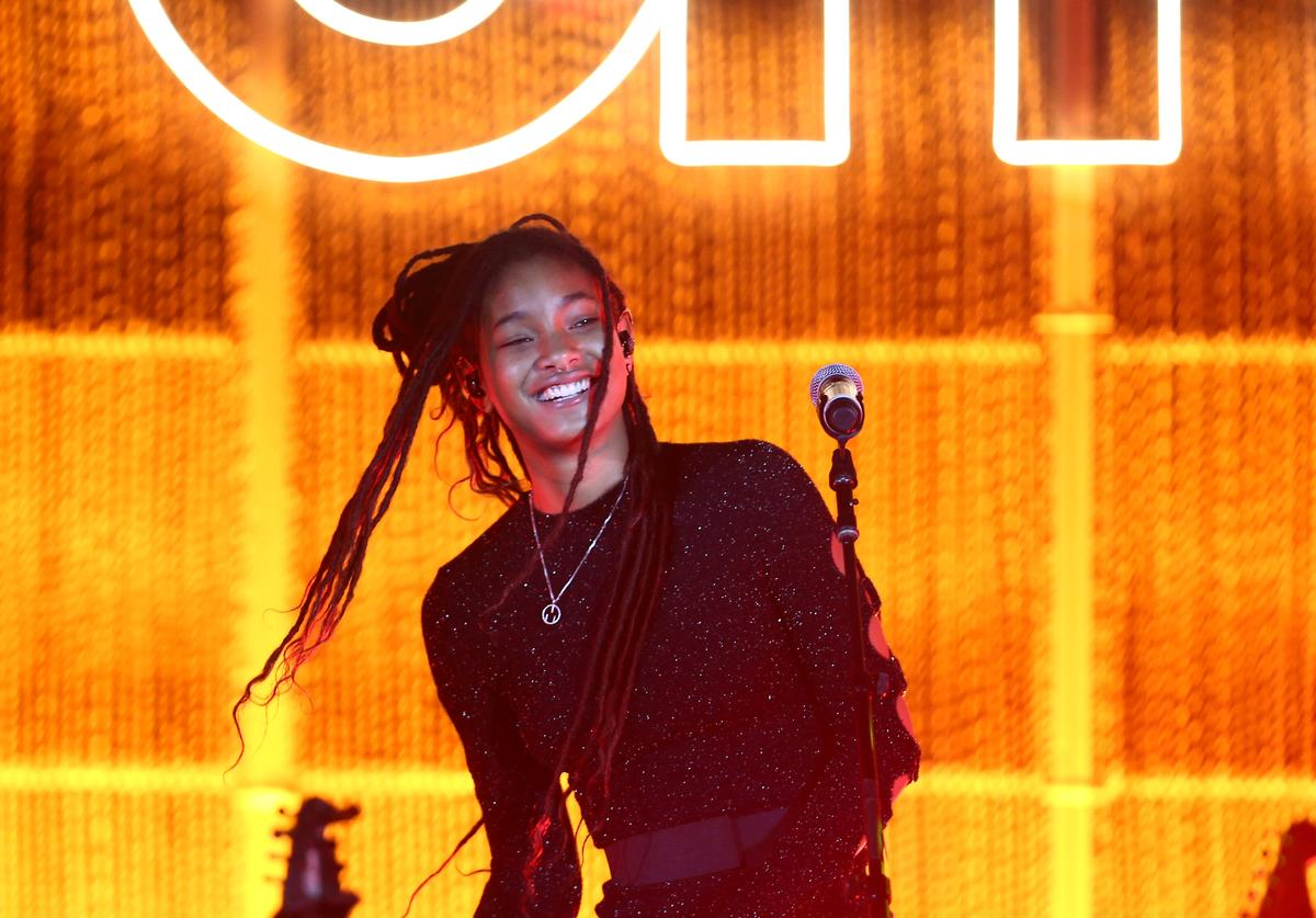 Willow Smith performs onstage during the Environmental Media Association 2nd Annual Honors Benefit Gala