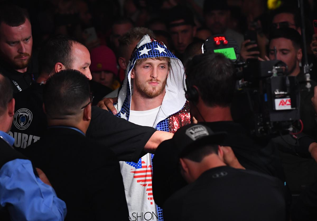 Logan Paul enters the ring for his debut fight against KSI
