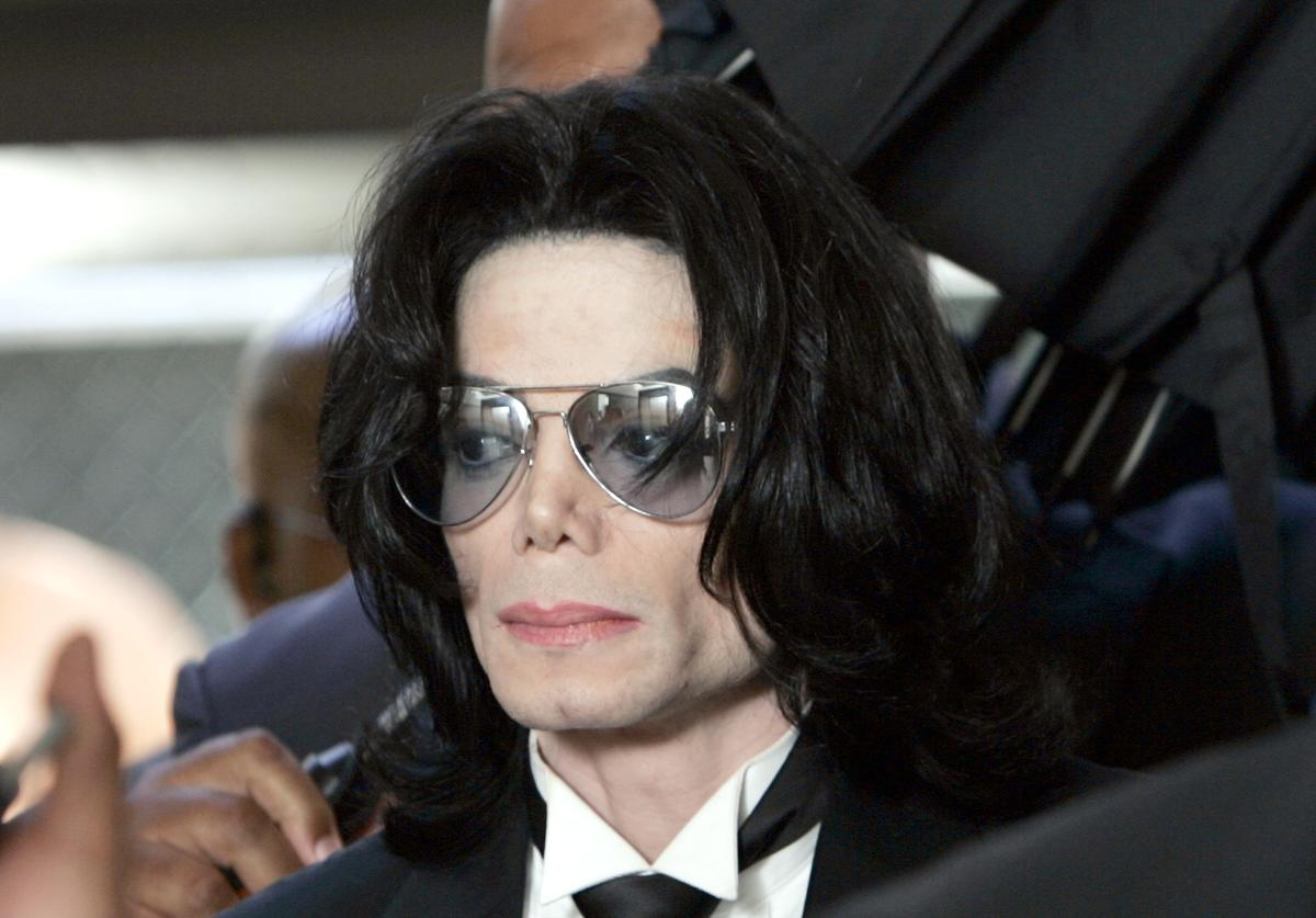 Michael Jackson appears in court in Santa Maria, California