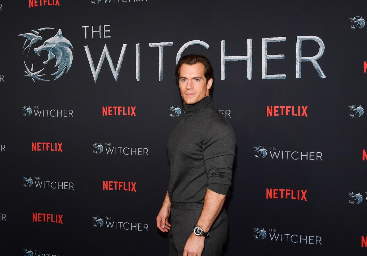 """Henry Cavill attends the photocall for Netflix's """"The Witcher"""" season 1 at the Egyptian Theatre on December 03, 2019 in Hollywood, California."""