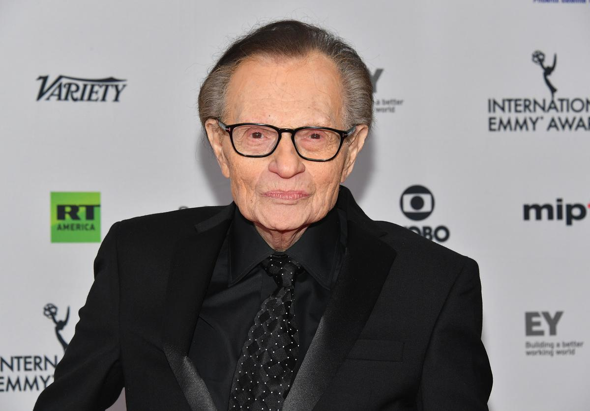 Larry King, COVID-19, Hospitlized