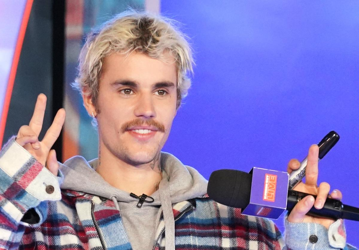 "Justin Bieber appears onstage at MTV's ""Fresh Out Live"""