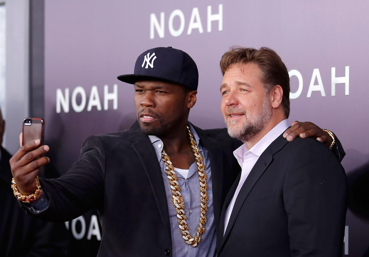 """50 Cent and Russell Crowe selfie at """"Noah"""" premiere."""