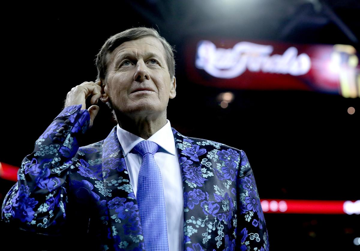 Legendary TNT sideline reporter Craig Sager talks with Game 6 of the 2016 NBA Finals between the Cleveland Cavaliers and the Golden State Warriors at Quicken Loans Arena on June 16, 2016 in Cleveland, Ohio. Sager is on a one game assignment for ESPN.