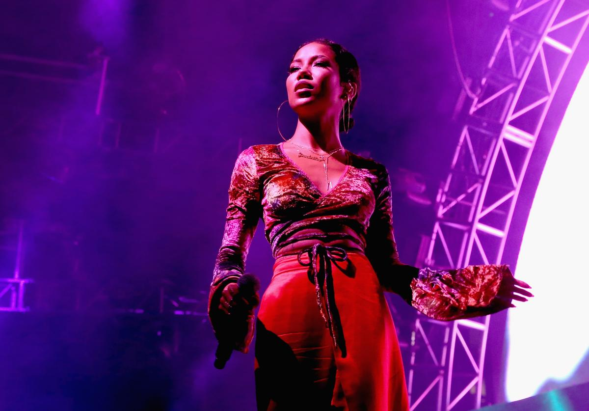 Jhene Aiko performing at 2017 BET Experience