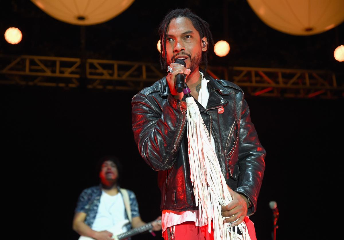 Miguel performs at Annenberg Foundation