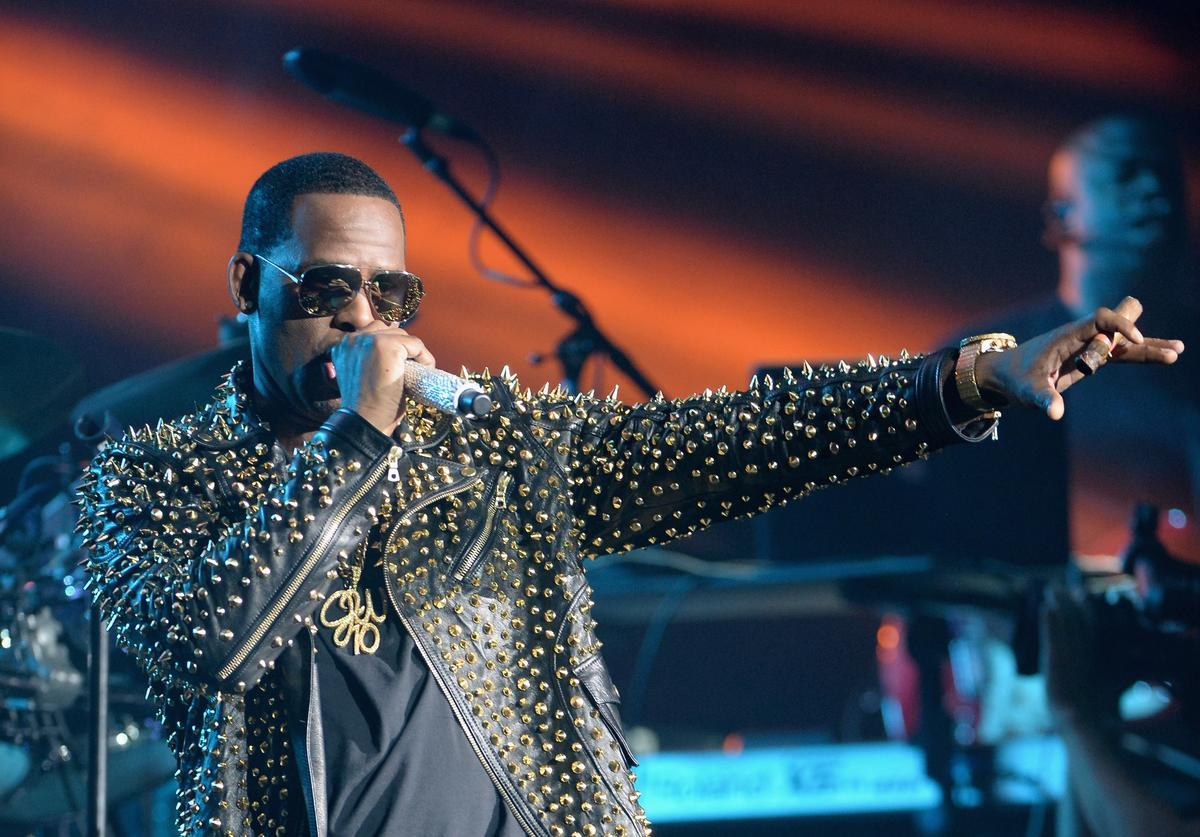 R. Kelly performs onstage during R. Kelly, New Edition and The Jacksons at the 2013 BET Experience at Staples Center on June 30, 2013 in Los Angeles, California