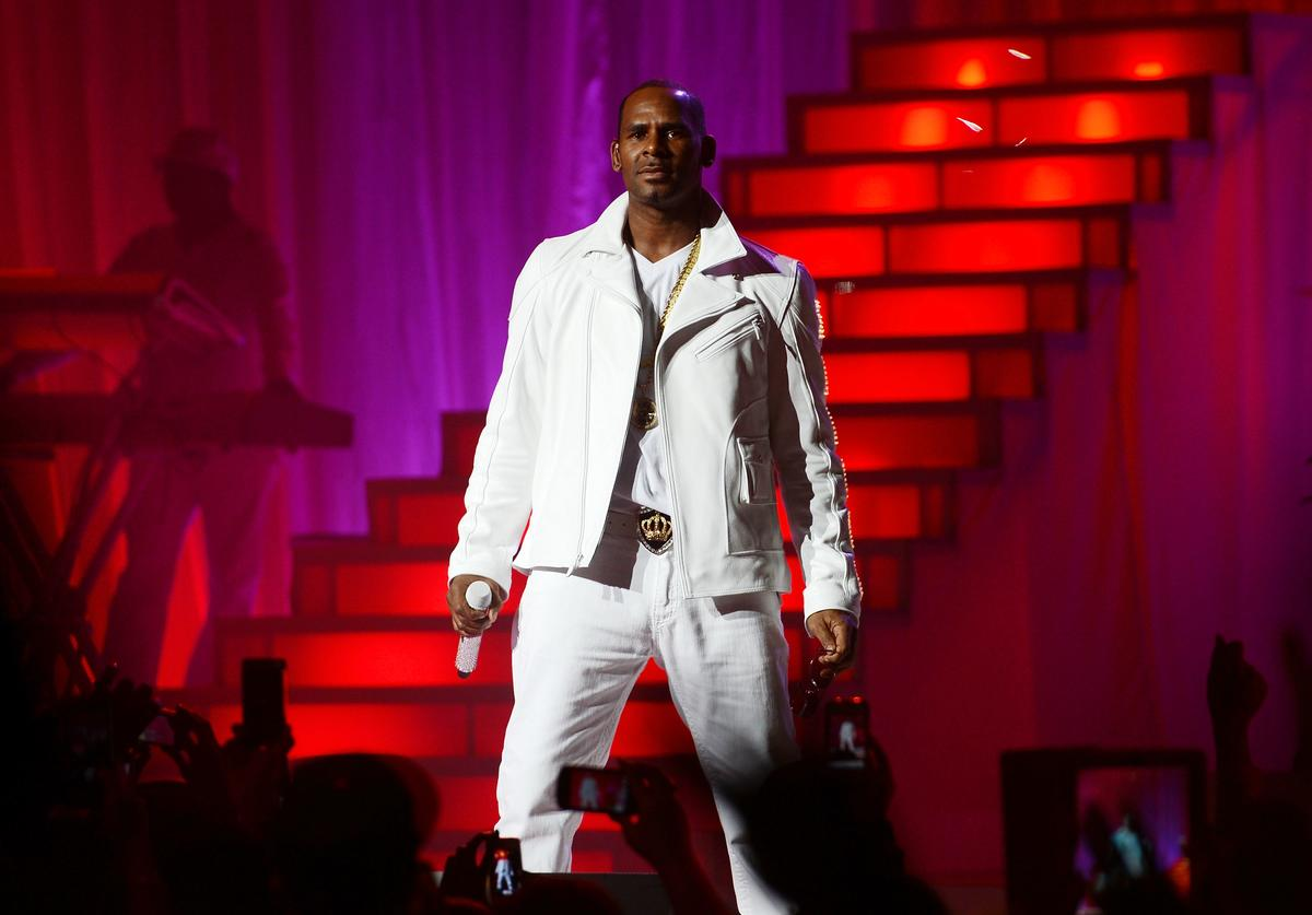 R. Kelly performs at MSG Theater on November 21, 2012 in New York City
