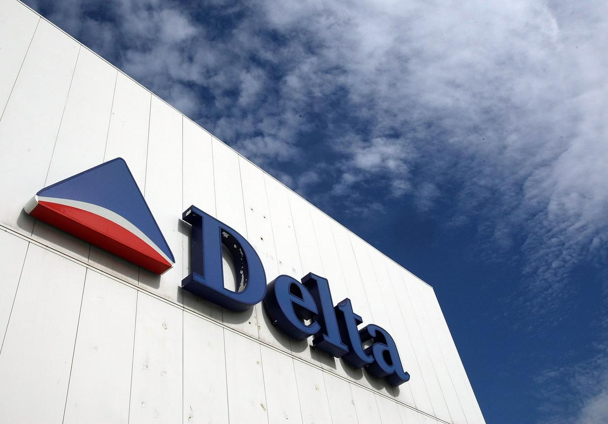 A Delta Air Lines sign is seen at LaGuardia International Airport October 16, 2007 in New York City. Delta's profit rose to $220 million, compared with $52 million a year ago, when Delta was under Chapter 11 bankruptcy protection