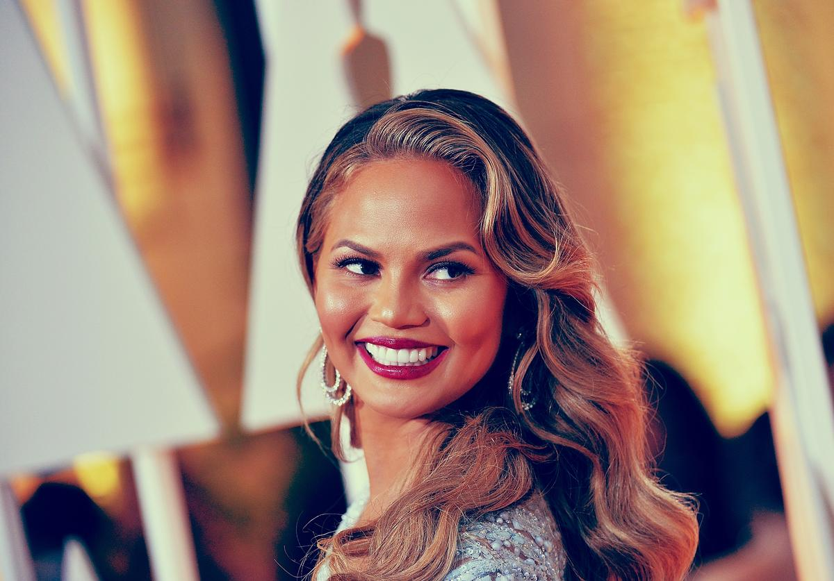 Actress Chrissy Teigen arrives at the 87th Annual Academy Awards at Hollywood & Highland Center on February 22, 2015 in Hollywood, California