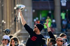 Tom Brady Is Charging $1,000 For Autographs