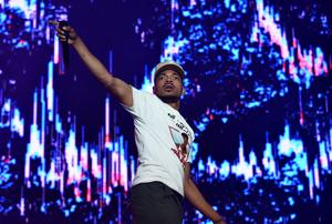 """Chance The Rapper Starts Hallway Dance Party In New """"SNL"""" Promo"""